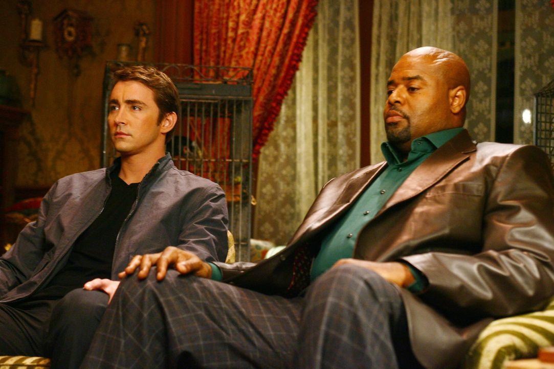 Ned (Lee Pace, l.) und Emerson Cod (Chi McBride, r.) geben ein perfektes Team ab: Gemeinsam klären sie zahlreiche Mordfälle auf ... - Bildquelle: Warner Brothers