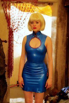 Charmed - Zauberhafte Hexen - Paige (Rose McGowan) entschließt, alle auf Dämo...