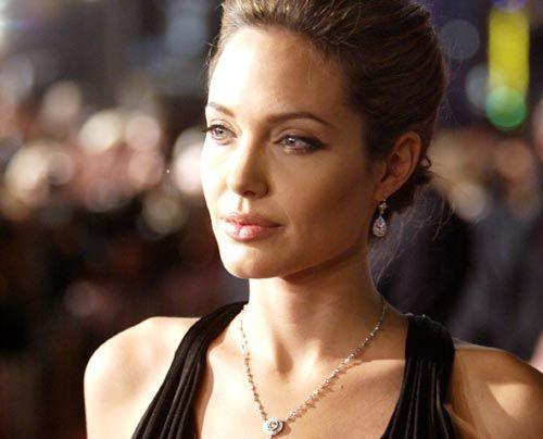 Galerie: Angelina Jolie und Brad Pitt - Bildquelle: getty AFP
