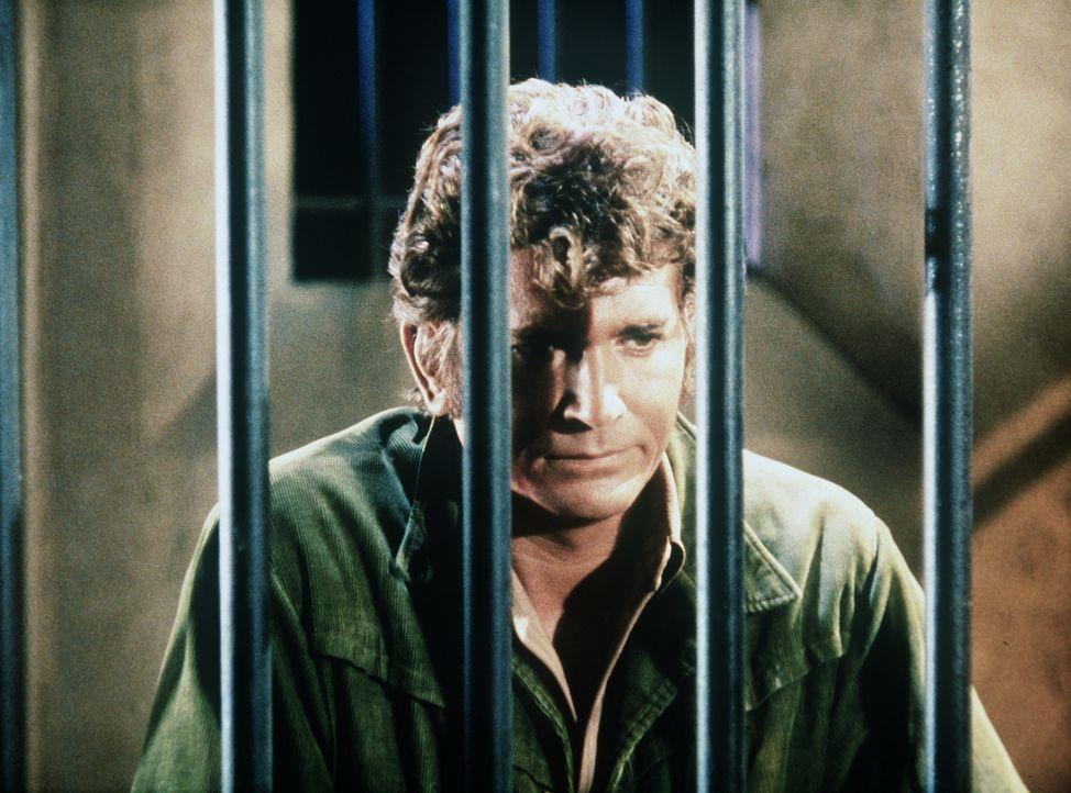 Aufgrund der Intrigen von Amos Parker sitzt Little Joe (Michael Landon) unschuldig im Gefängnis. - Bildquelle: Paramount Pictures