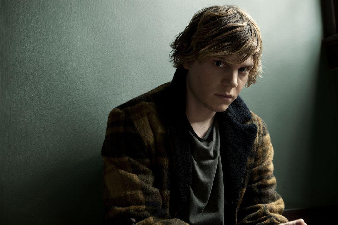 (1. Staffel) - Der Teenager Tate (Evan Peters) hat Schwierigkeiten, soziale Beziehungen zu anderen Menschen aufzubauen ... - Bildquelle: 2011 Twentieth Century Fox Film Corporation. All rights reserved.