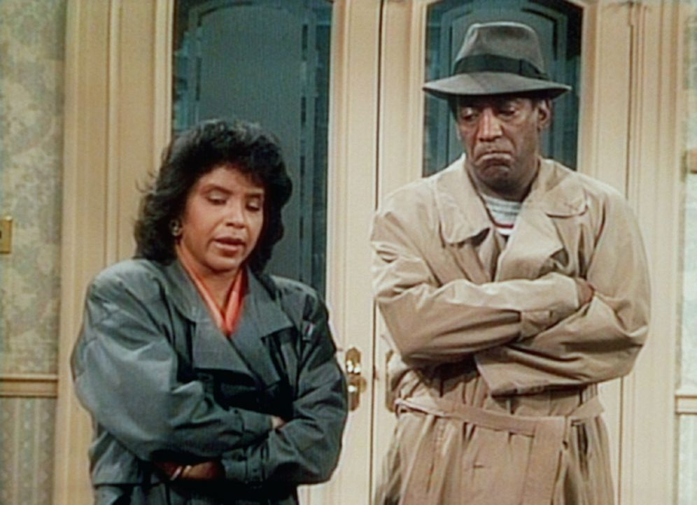Clair (Phylicia Rashad, l.) und Cliff (Bill Cosby, r.) halten ihrer Tochter Vanessa eine Strafpredigt, weil sie gelogen hat. - Bildquelle: Viacom