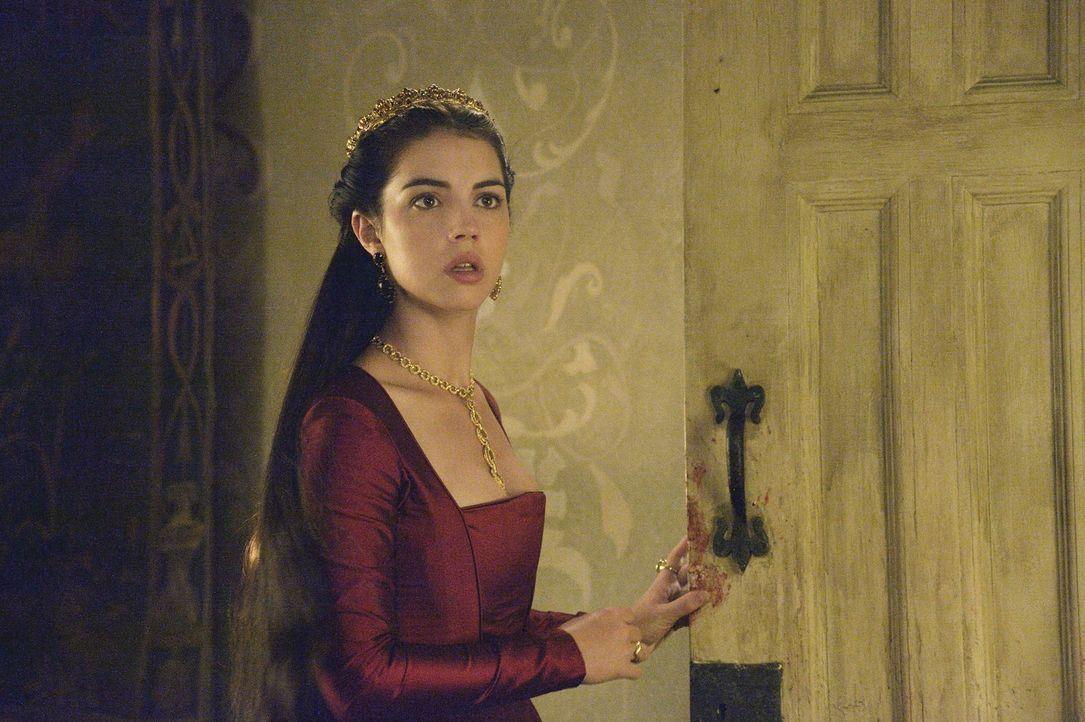 Die Taufe von Francis' und Lolas' Kind stellt eine harte Probe für Mary (Adelaide Kane) dar ... - Bildquelle: Ben Mark Holzberg 2014 The CW Network, LLC. All rights reserved.