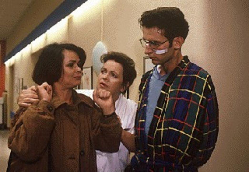 Nach einem Discobesuch fahren mehrere Teens zusammen in einem Auto nach Hause. Auf der Rückfahrt kommt es zu einem tragischen Unfall, bei dem Klaus... - Bildquelle: Noreen Flynn Sat.1