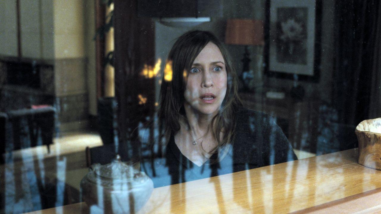 Zunächst machen die seltsamen Unfälle, die im Umfeld von Esther auftreten, Kate (Vera Farmiga) misstrauisch. Dann wird ihr klar, dass das Kind eine... - Bildquelle: Kinowelt