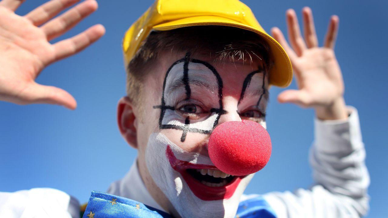 karneval-fasching-kostuem-clown-11-03-07-dpa