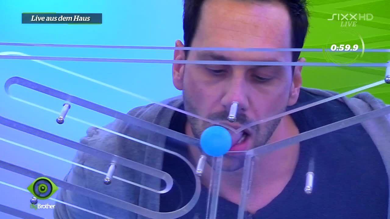 Guido zeigt sein Zungen-Talent