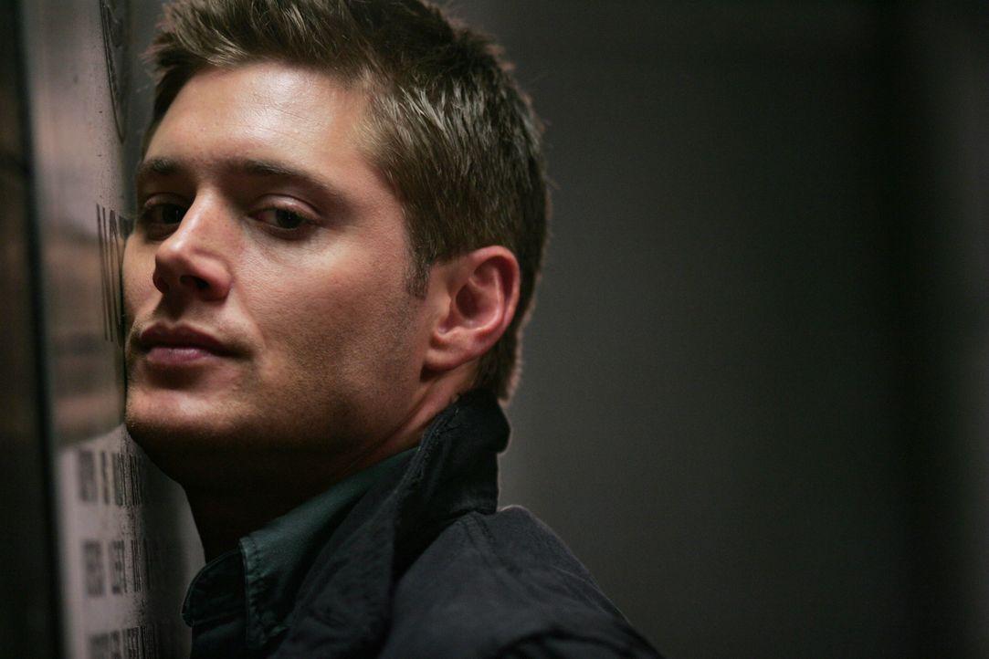 Er steckt bis über beide Ohren in Schwierigkeiten. Obwohl Dean (Jensen Ackles) seine Unschuld beteuert, glaubt ihm Polizist Sheridan kein Wort ...