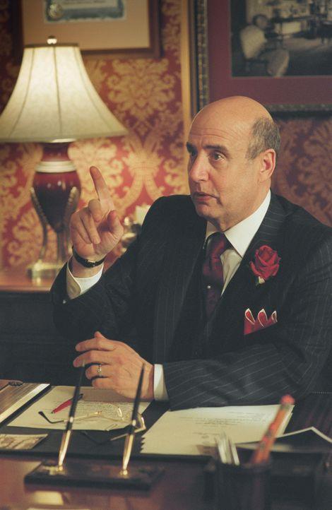 Als der Besuch eines Prinzen ansteht, plant der Hotelmanager Mr. Salomone (Jeffrey Tambor, l.) ihm zu Ehren einen großen Ball. Kein Problem - wäre... - Bildquelle: American Broadcasting Company (ABC)