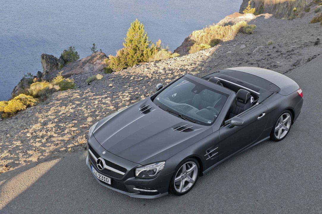 Jan Stecker testet den neuen Mercedes SL unter spanischer Sonne ... - Bildquelle: Mercedes Benz
