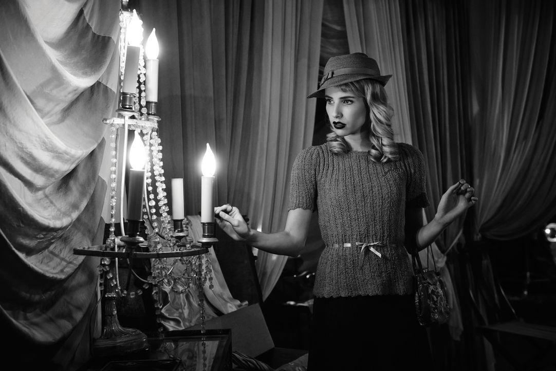 (4. Staffel) - Maggie Esmerelda (Emma Roberts) schließt sich der Freak Show mit zwieträchtigen Absichten an ... - Bildquelle: 2014, FX Network. All rights reserved.