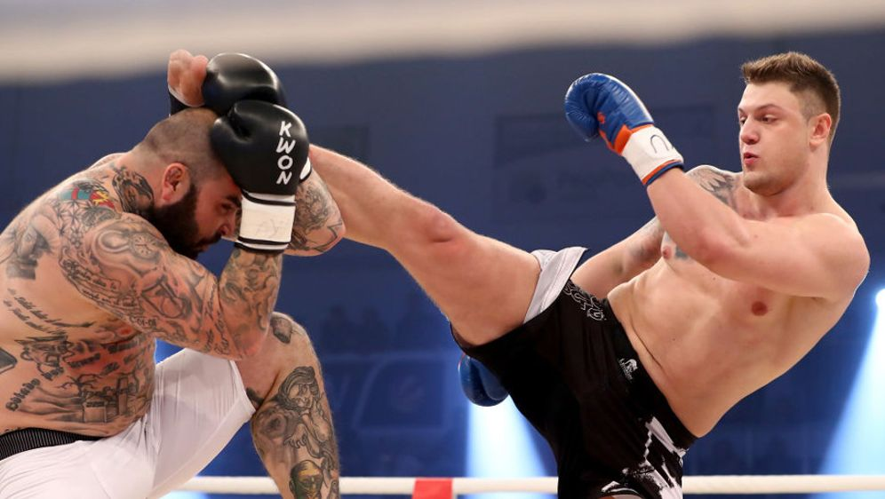 Michael Smolik (re.) will den nächsten Knockout - Bildquelle: Getty Images