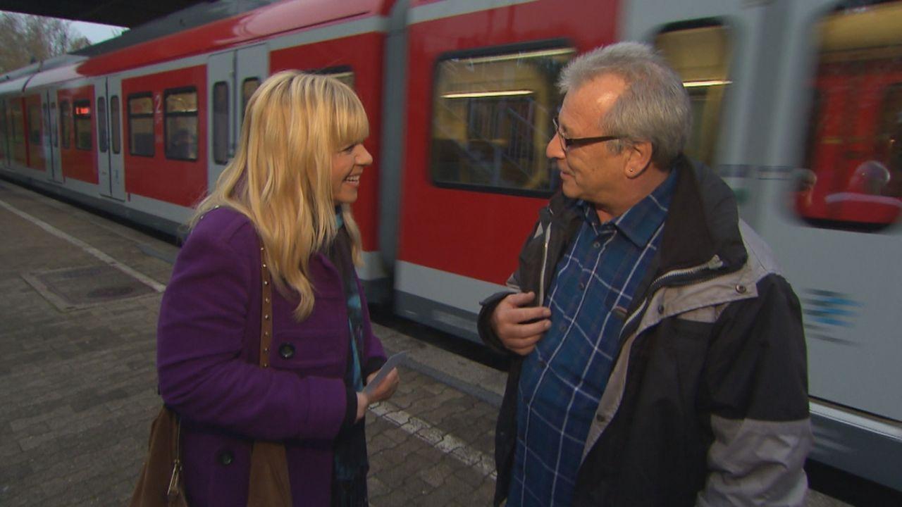 Hofft, mit Hilfe von Julia Leischik (l.), seine Tochter wieder zu finden: Jürgen (r.) ... - Bildquelle: SAT.1
