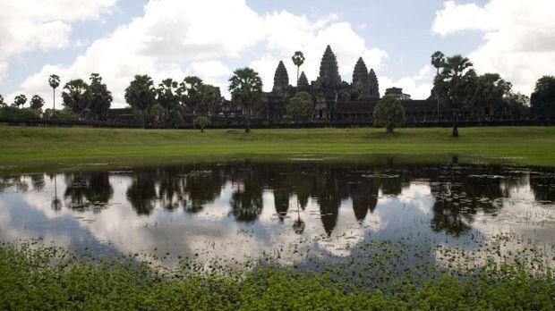 Einer der berühmtesten Tempel der Welt: Angkor Wat ... © 2008 Darlow Smithson...