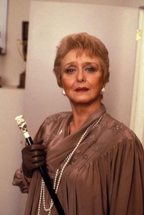 (5. Staffel) - Hat Anna (Celeste Holm) wirklich ein Motiv, Dominic zu ermorden? Und versucht sie nun, Angela zu töten? - Bildquelle: 1985   Warner Brothers