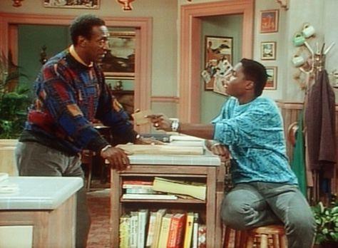 Bill Cosby Show - Standhaft wehrt sich Cliff (Bill Cosby, l.) gegen die Sandw...