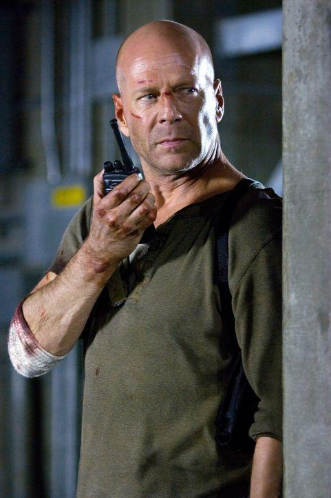 Um das ganze Land zu beschützen, gibt John McClane (Bruce Willis) alles. Er ahnt nicht, dass seine Mission seine Familie gefährden könnte ... - Bildquelle: Frank Masi 2007 Twentieth Century Fox Film Corporation.  All rights reserved.
