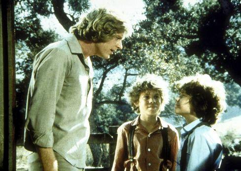 Unsere kleine Farm - Rupert (Rossie Harris, M.) und Myron (Ham Larson, r.) ha...