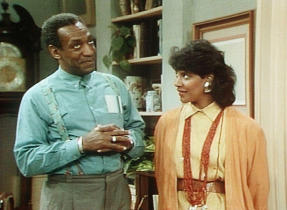 Cliff (Bill Cosby, l.) erinnert sich an die romantischen Rendezvous mit Clair (Phylicia Rashad, r.), als er noch aufs College ging. - Bildquelle: Viacom