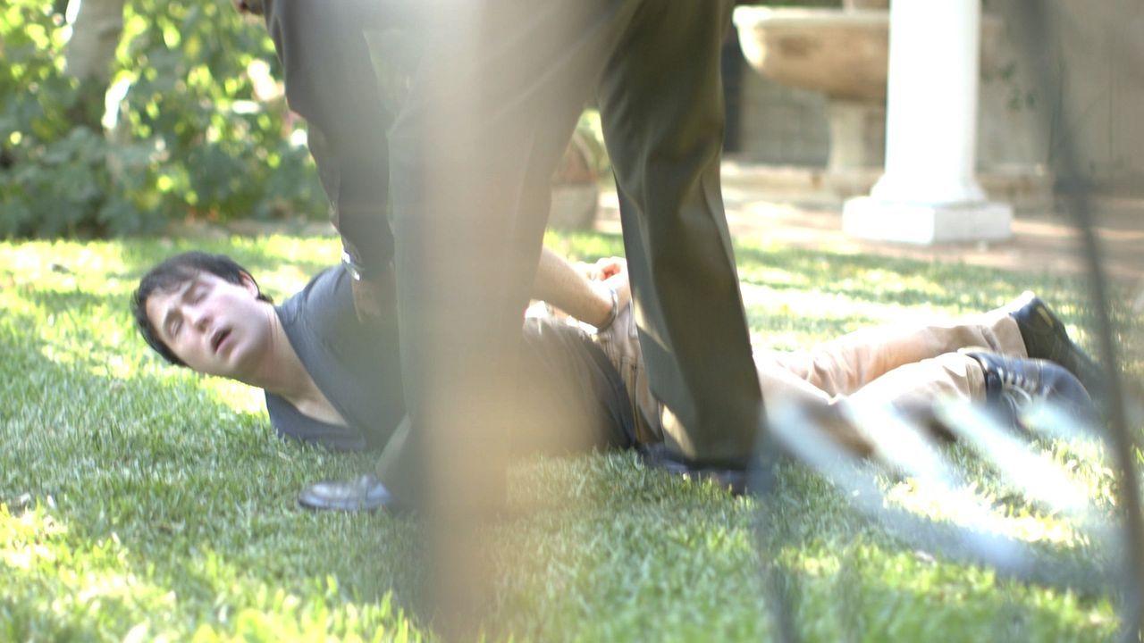 Pollow gerät in eine tödliche Auseinandersetzung mit John Wilson ... - Bildquelle: LMNO Cable Group