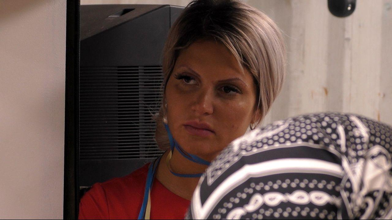 Sophia Vegas (im Bild) wird von Silvia Wollny kritisiert. - Bildquelle: Sat.1