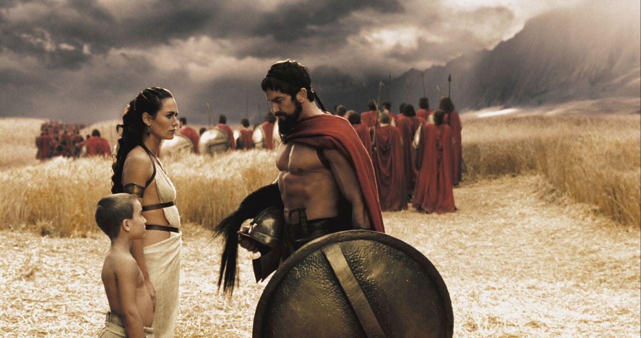 Leonidas (Gerard Butler, r.) wurde nach der Tradition der Spartaner in den härtesten Kampf- und Belastungsproben erzogen. Seit seinem siebten Leben... - Bildquelle: TM &   Warner Bros. Entertainment Inc.