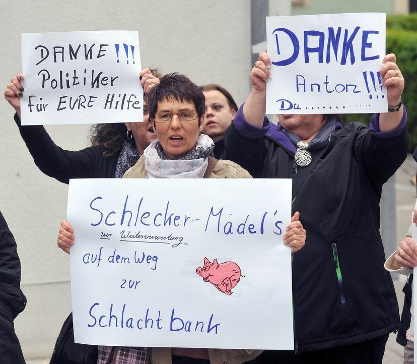 Protest-12-06-05-dpa - Bildquelle: dpa