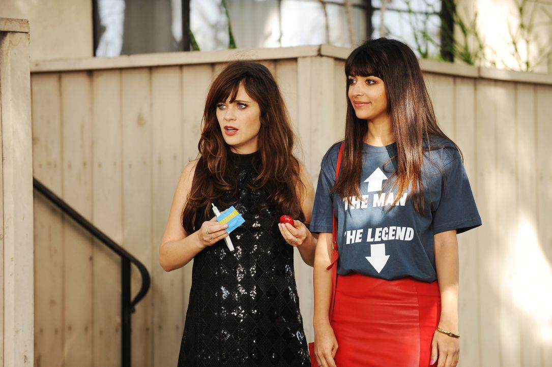 Müssen mit den Folgen einer wilden Partynacht zurechtkommen: Jess (Zooey Deschanel, l.) und Cece (Hannah Simone, r.) ... - Bildquelle: 2015 Twentieth Century Fox Film Corporation. All rights reserved.