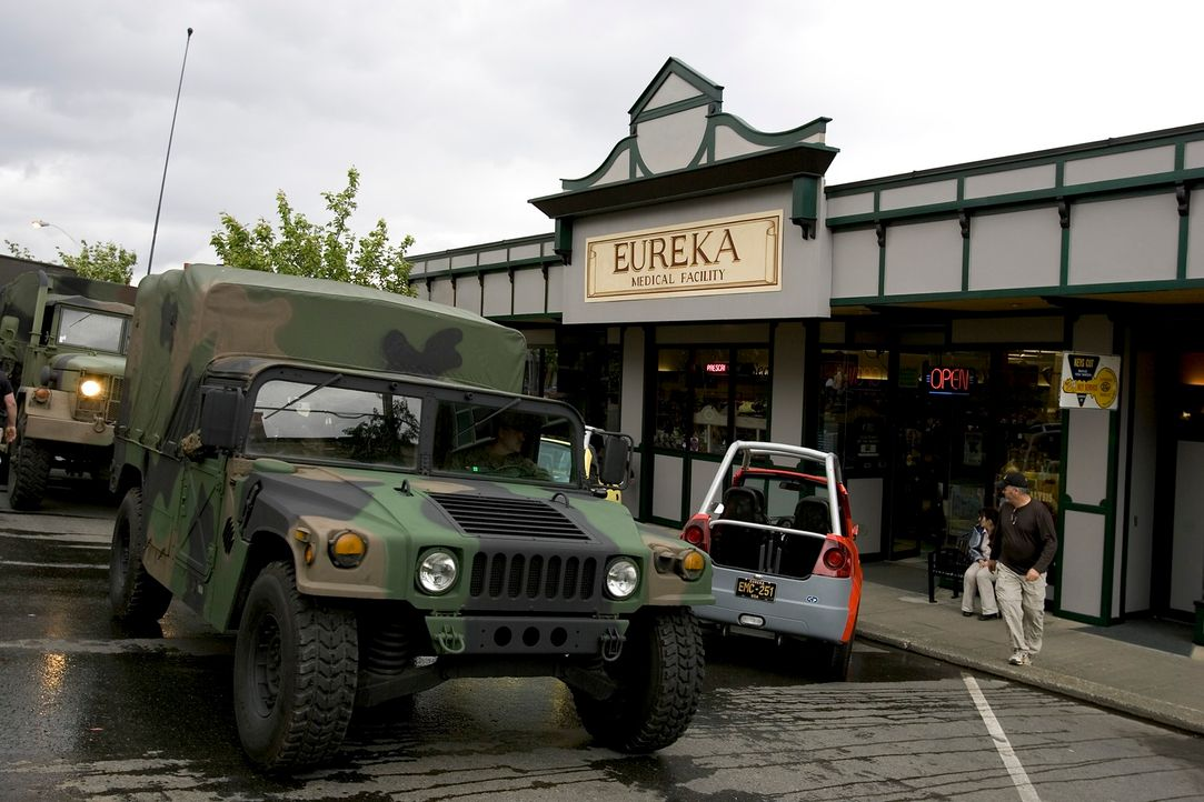 In Eureka geschehen merkwürdige Dinge ... - Bildquelle: Universal Television