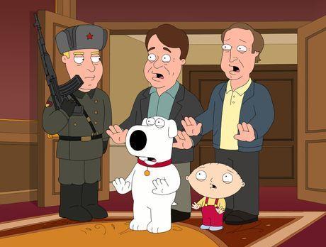 Family Guy - Brian (vorne M.) und Stewie (vorne r.) finden heraus, dass Dan A...