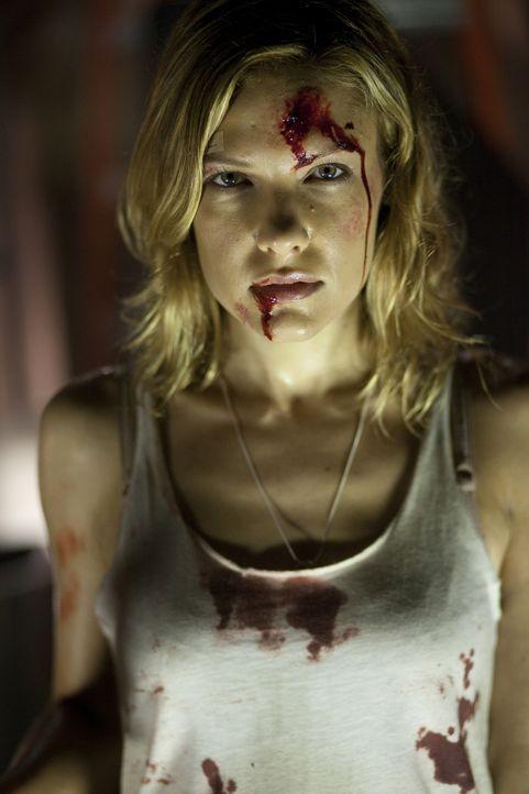 Eines Tages schließt sich Stella (Kiele Sanchez) einer Gruppe gaunerhafter Vampirjäger an, um sich an den blutrünstigen Blutsaugern zu rächen, d... - Bildquelle: 2010 Stage 6 Films, Inc. All Rights Reserved.