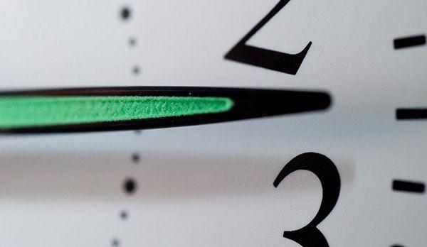 Zeit - Bildquelle: dpa