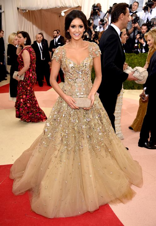 MET-Gala-Nina-Dobrev-07-getty-AFP - Bildquelle: Dimitrios Kambouris/Getty Images/AFP