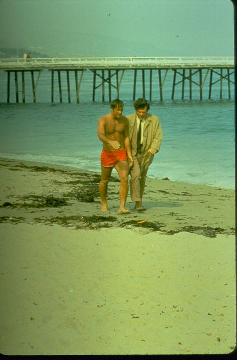 Milo Janus (Robert Conrad, l.); Columbo (Peter Falk, r.) - Bildquelle: 1974 Universal City Studios LLLP. All Rights Reserved.