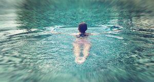 Ausdauersport tut gut und kurbelt die Fettverbrennung an. Besonders Schwimmen...