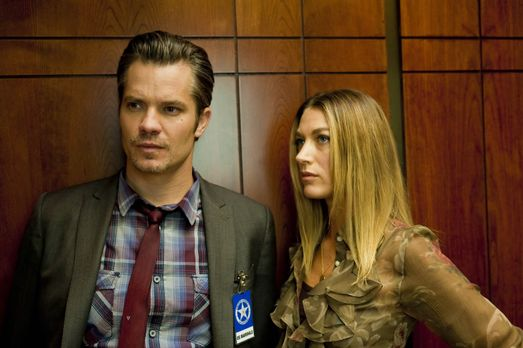 Justified - Haben Raylan (Timothy Olyphant, l.) und Winona (Natalie Zea, r.)...