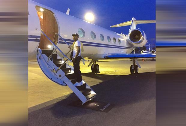 Mayweather nimmt gerne das Flugzeug - Bildquelle: Instagram/Mayweather