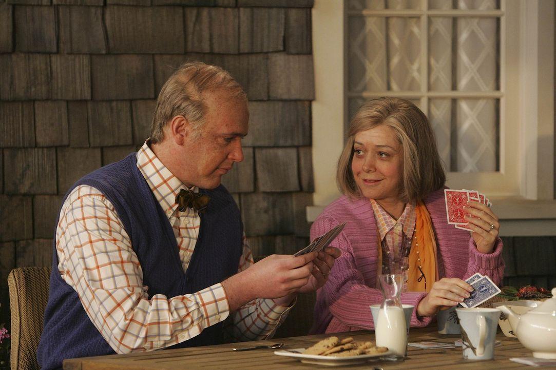 Der Veranda-Test: Lily (Alyson Hannigan, r.) erklärt, dass sie sich bei jeder von Teds Freundinnen vorstellt, wie Marshall (Jason Segel, l.), Ted u... - Bildquelle: 20th Century Fox International Television
