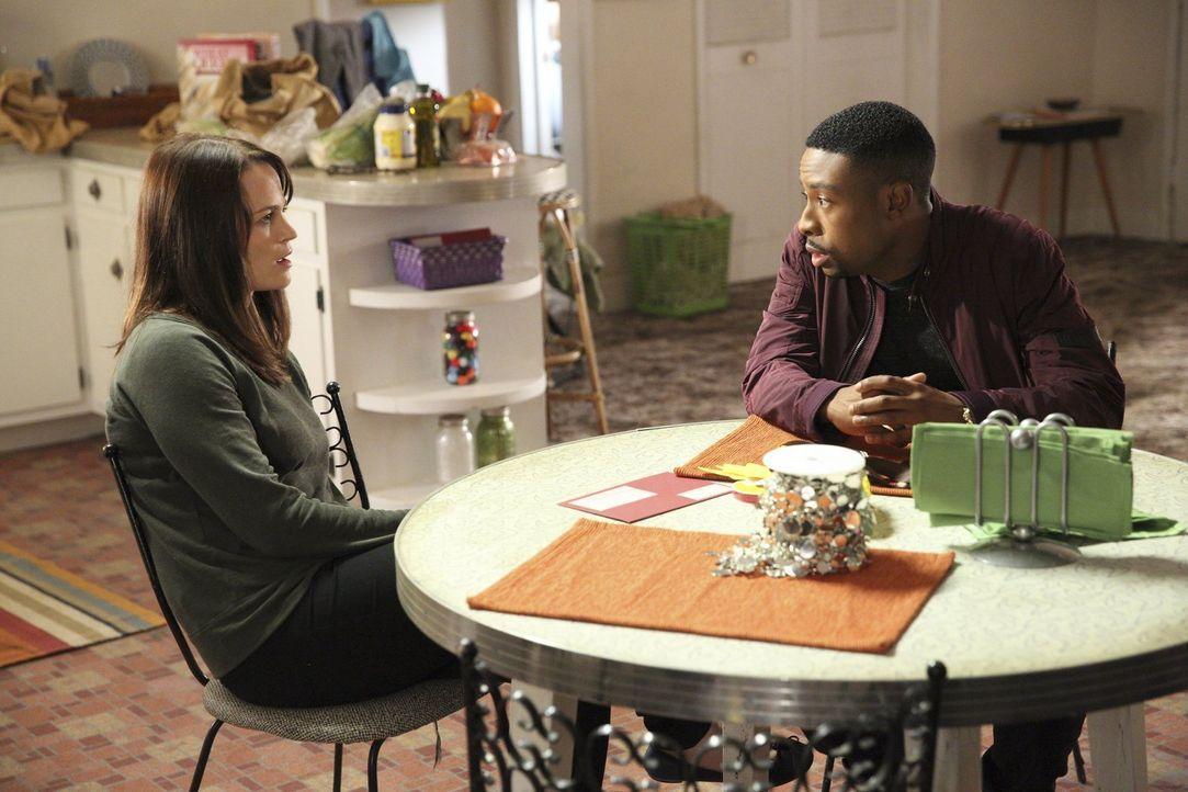 Kann Pam Sanders (Sprague Grayden, l.) Carter (Justin Hires, r.) und Lee helfen, ihren Ex-Mann Steven Baker, der aus dem Gefängnis ausgebrochen ist,... - Bildquelle: Warner Brothers