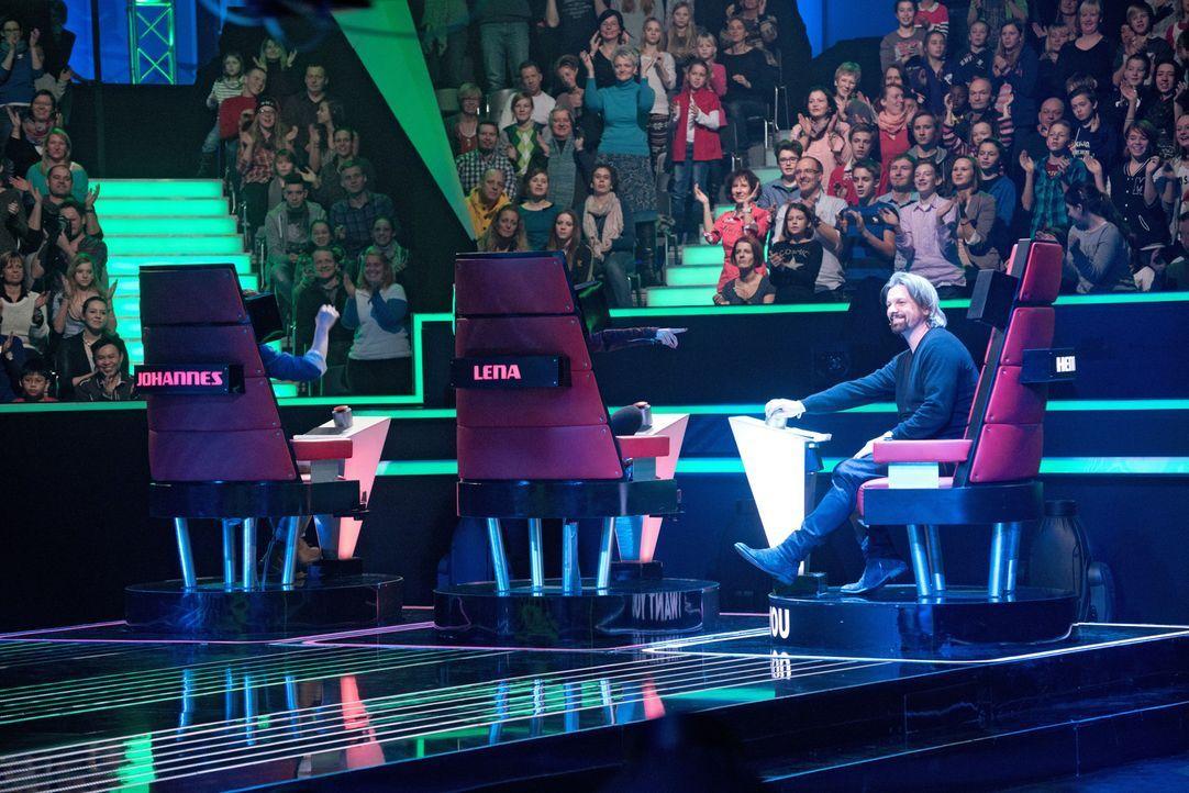 """In vier """"Blind Auditions"""" präsentieren sich die jungen Sängerinnen und Sänger den Coaches: Henning Wehland ... - Bildquelle: Claudius Pflug SAT.1"""