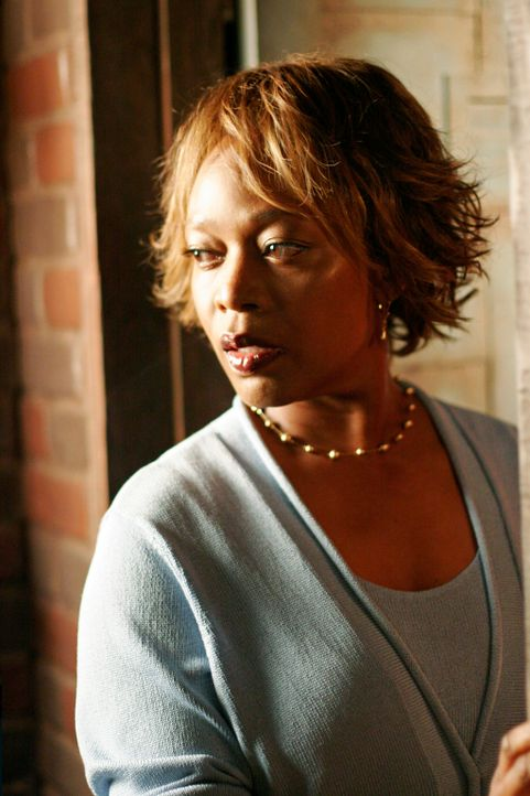 Was für ein Geheimnis hütet Betty Applewhite (Alfre Woodard)? - Bildquelle: 2005 Touchstone Television  All Rights Reserved