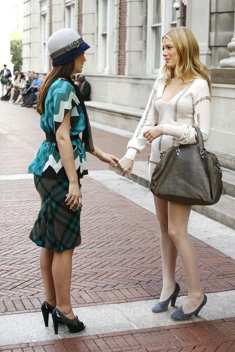 Werden die Mädchen wieder zueinander finden? Serena (Blake Lively, r.) und Blair (Leighton Meester, l.) ... - Bildquelle: Warner Brothers