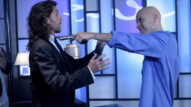 Lex (Michael Rosenbaum, r.) ist überzeugt davon, dass sein Vater Lionel (John...