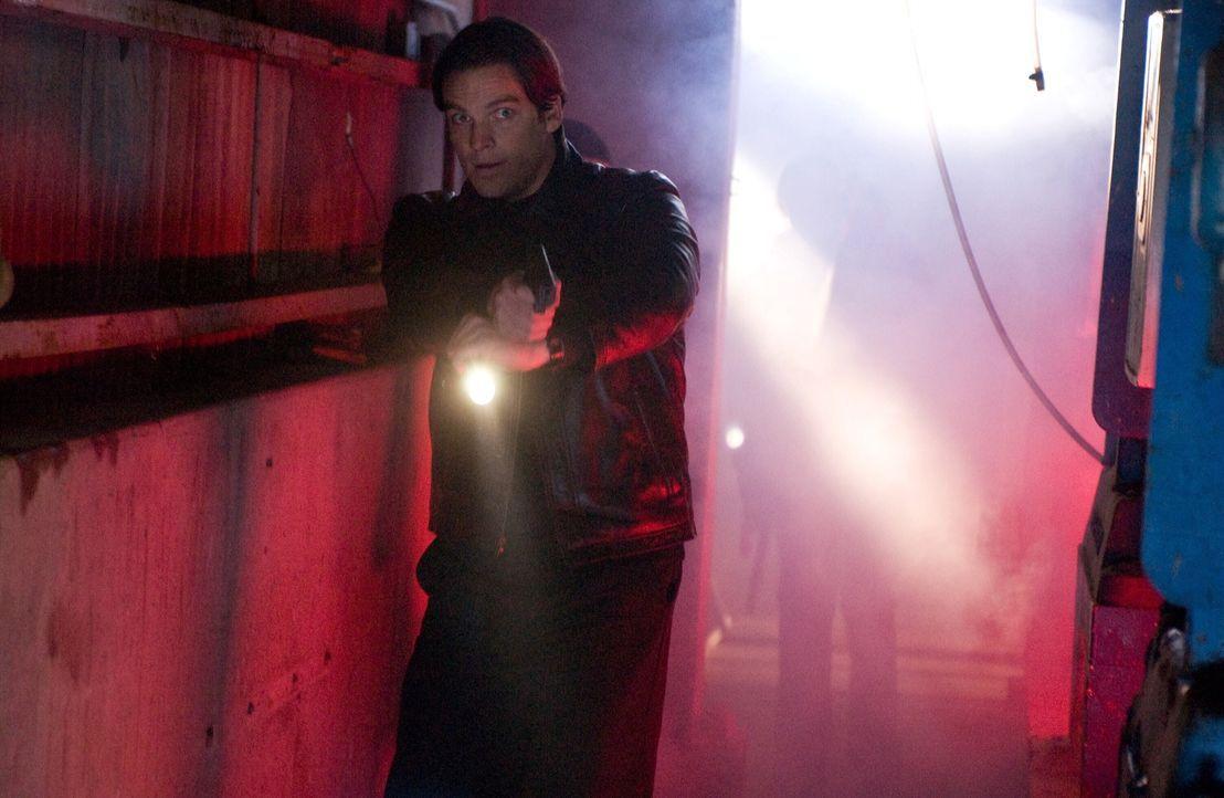 Im Wettlauf mit der Zeit: FBI-Agent Skylar (Bart Johnson) ... - Bildquelle: Warner Bros. Television