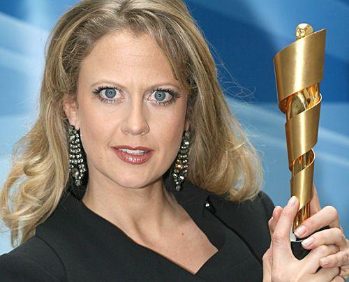 Die schönsten Seiten des sexy Multitalents.  Bei einer weiteren Pressekonferenz zum Deutschen Filmpreis 2008. - Bildquelle: dpa