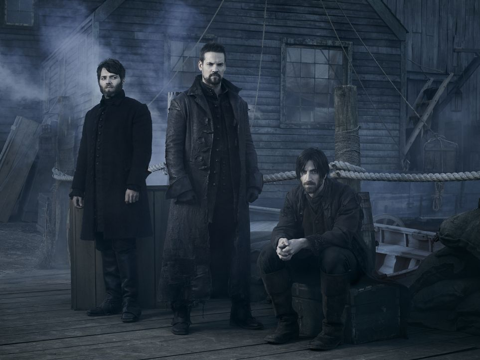 (2. Staffel) - Cotton (Seth Gabel, l.), John (Shane West, M.) und Isaac (Iddo Goldberg, r.) stellen sich in Salem ihrem Schicksal ... - Bildquelle: 2015 Fox and its related entities. All rights reserved.