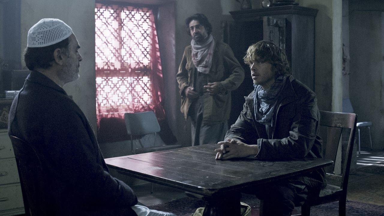 Setzt alles daran, Kensi in Afghanistan aus den Händen der Taliban zu befreien: Deeks (Eric Christian Olsen, r.) ... - Bildquelle: CBS Studios Inc. All Rights Reserved.