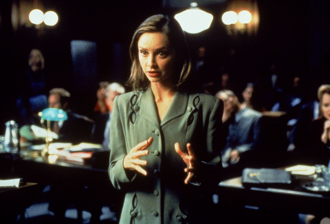 Senator Foote wird verklagt, die erste Ehe seiner jetzigen Frau zerstört zu haben. Der publicityträchtige Fall bereitet Ally (Calista Flockhart) und... - Bildquelle: Twentieth Century Fox Film Corporation. All rights reserved.