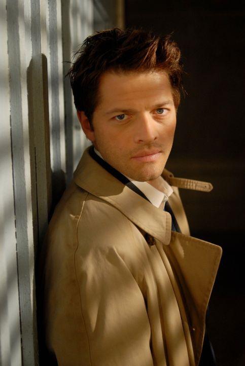Dean wird von ihm in die Vergangenheit zurückgeschickt: Castiel (Misha Collins) ... - Bildquelle: Warner Bros. Television