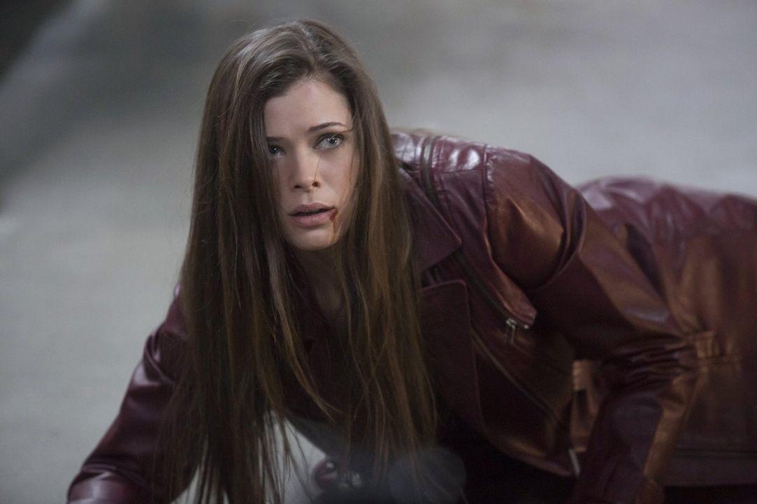 """Kann Cara (Peyton List) ihre Leute wirklich noch vor """"Ultra"""" schützen? - Bildquelle: Warner Bros. Entertainment, Inc"""